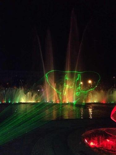 本溪市府广场单绿水幕激光1